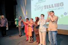 misf-with-all-the-international-tellers-at-the-showcase